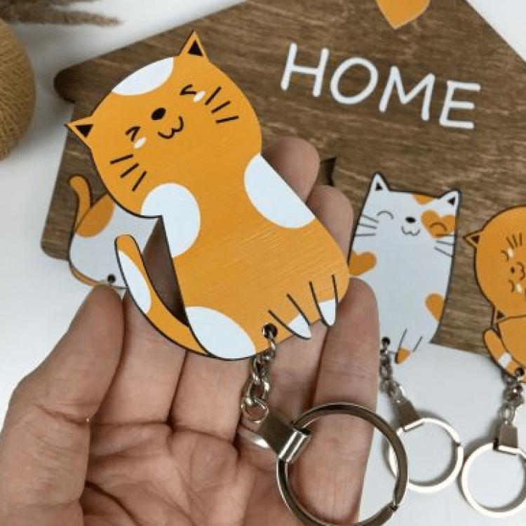 Оригінальна дерев'яна ключниця з милими котиками - image-1