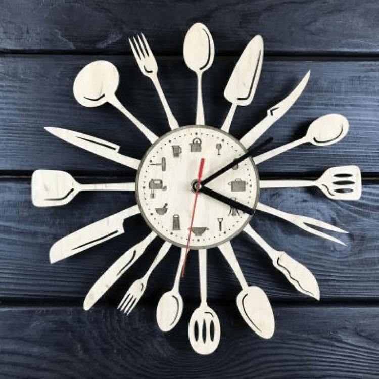 """Настінний годинник з дерева для кухні """"Столові прибори"""" - image-0"""