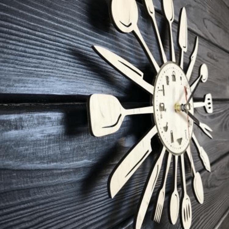 """Настінний годинник з дерева для кухні """"Столові прибори"""" - image-1"""