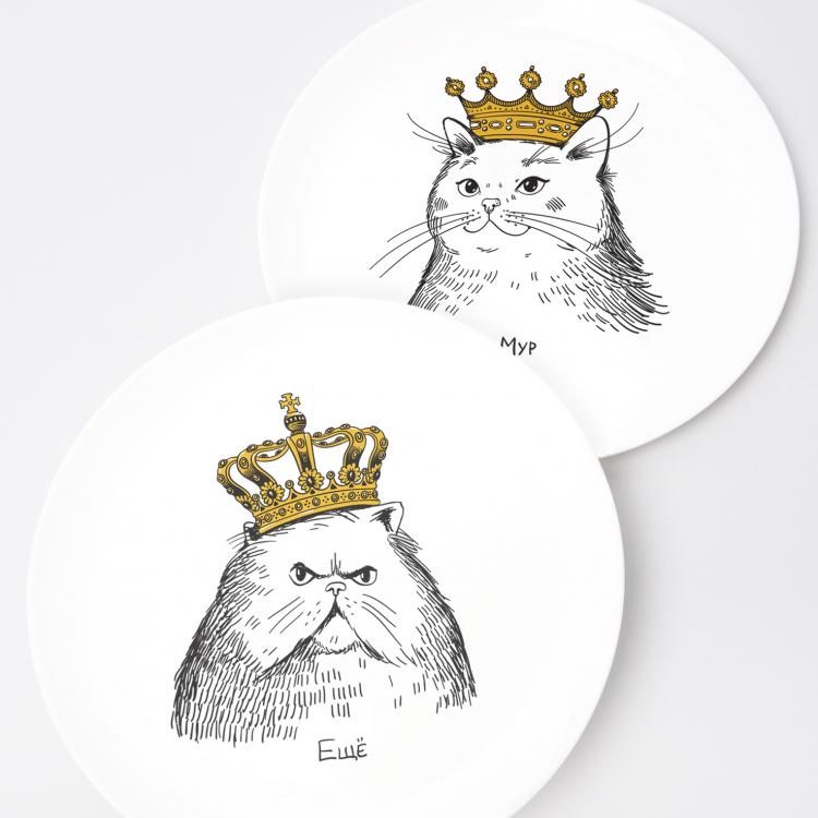 """Набір тарілок та чашок """"Королівська сім'я"""" - image-1"""